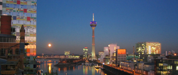 Full moon over Düsseldorf Medienhafen